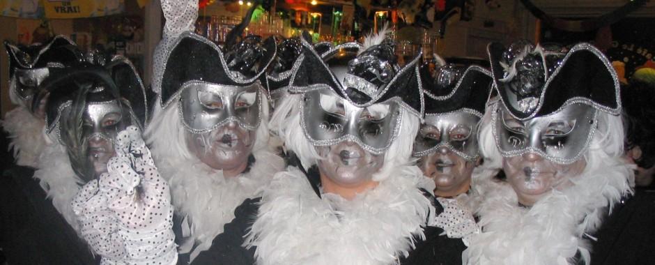 Le concours de masque et d'intrigue