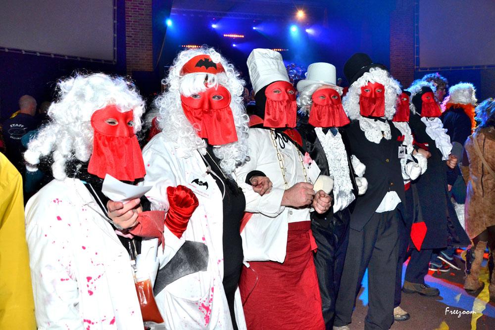 Lundi soir – Le concours de masque et d'intrigue