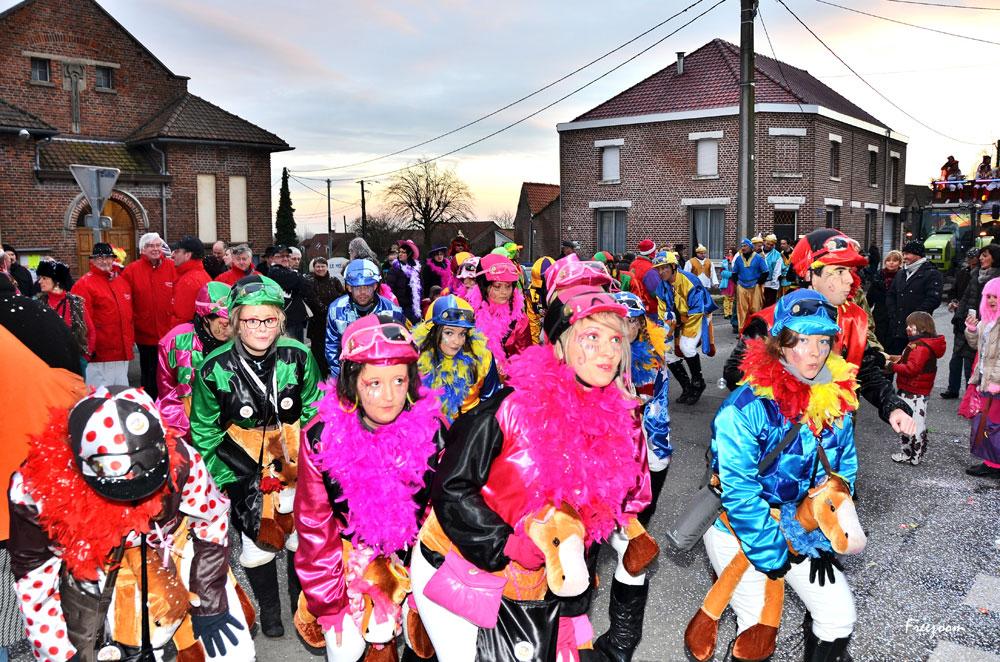 Samedi après midi – Le Carnaval fait un tour dans les hameaux