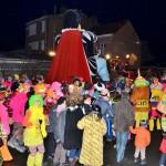 Vendredi soir – Sortie du Géant Gargantua – La foule accompagne la sortie Géant Gargantua -